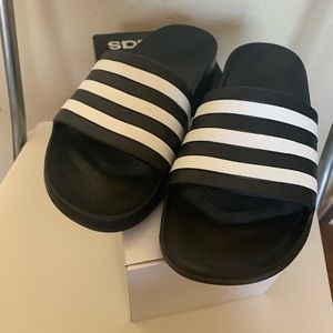 NWT black and white adidas classic slides